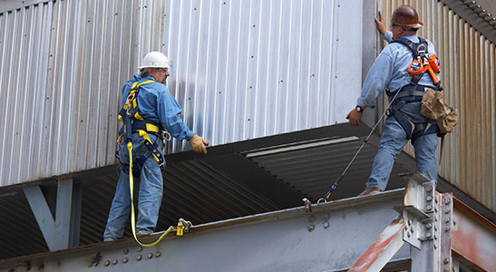 Bords D'attaque et Bords Tranchants - Protection Contre les Chutes