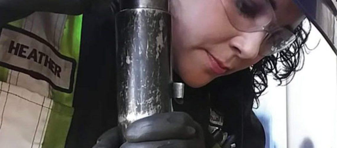 Femmes Dans L'industrie - Heather Young, Technicienne D'inspection